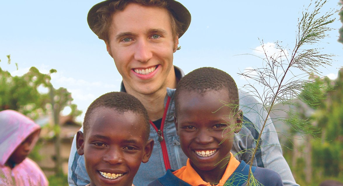 Craig Kielburger with local kids in Kenya