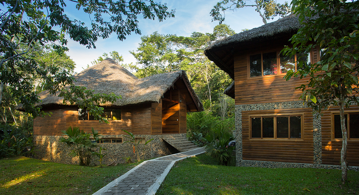 Luxurious Minga Lodge cabin in the rainforest